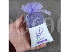 Levandų žiedai violetiniame organza maišelyje (su levandų motyvais)